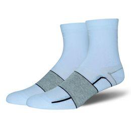 Wholesale free style soccer - 2018 NEW Sport Socks Riding socks 3 Styles Unisex Basketball Football Walking Hiking Socks Deodorant Wear-resistant Wholesale Free DHL G486Q