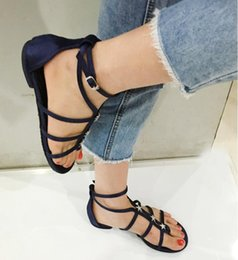 sandalias planas tipo Rebajas Smile Circle 2018 Summer Sandals Women Fashion Star Rhinestones T-type hebilla Zapatos planos Mujeres Sandalias sandalias de punta abierta