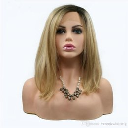 Sexy peluca oscura online-Hot Sexy Blonde Bob Wig Natural Straight Hair sintético Short Dark Roots to Gold / Blond High Temperature Lace Front Pelucas para mujeres negras