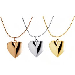 Wholesale photo spots - European and American fashion accessories DIY photo box wholesale new heart necklace spot alloy pendant, free shipping.