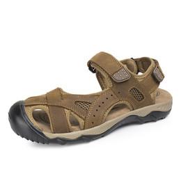 Sandália cobre os dedos dos pés on-line-Agradável Novo Verão Moda Toe Tampa Homens Sandálias de Malha Respirável Malha de Couro de Vaca Gancho Loop Plus Size 28-68 Homens Sandália sapatos