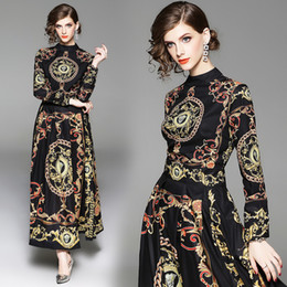 Robe d'automne avec Palais européen noir Robes à manches longues à manches longues imprimées baroques à taille haute pour un dîner de fiançailles élégant ? partir de fabricateur
