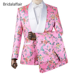 light brown suits for men Coupons - Gwenhwyfar New Designs Custom Made Groom Tuxedo Pink Floral Printed Men Suit Set For Wedding Prom Mens Suits 2Pcs 2018 (Jacket+Pants)