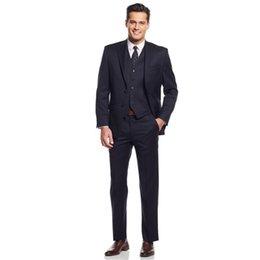 Padrinos de boda esmoquin azul marino online-Hecho a mano Dark Navy Tuxedos Tres piezas del caballero trajes de boda del novio Groomsmen trajes por encargo Jacket Pants Waistcoat