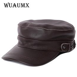 Wuaumx NUEVA Gorra de béisbol de cuero genuino para hombres y Famale Flat  Top Vendedor de periódicos Sombrero de piel de vaca Marca Hombres Sombrero  de ... 1205856be1e