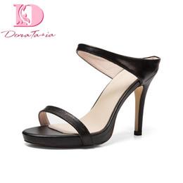 Boas cunhas on-line-Atacado nova boa qualidade de couro genuíno fino sapatos de salto alto sapatos de plataforma mulher casuais verão mulas bombas