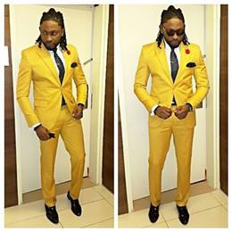 Tailor Made Yellow Slim Fit Mens Wedding Prom Dinner Suits 2 piezas novio esmoquin un botón Blazer hombres traje trajes del padrino de boda desde fabricantes