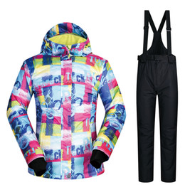 Ski Suit Women Brands 2018 FUWEN Sets Skiing Clothes Windproof Waterproof  Outdoor Jackets and Pants Winter Women Snowboard Suits 2c63050d2