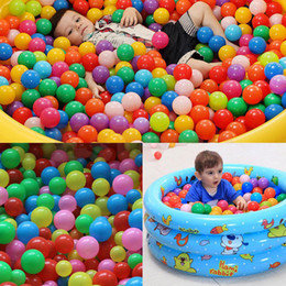Palline d'acqua morbide online-5,5 centimetri colorato morbido plastica Ocean Marine Ball Baby bambini sabbia Swim Pit giocattoli piscina di acqua Fun Balls Onda Gioco all'aperto Gioca AAA774