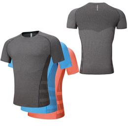 Estiramiento seco rápido t shirts online-2018 New Men Quick Dry Sport Camiseta para correr Fitness Gym Stretch Top Shirt Plus Size S-2XL Outdoor Sportswear Bodybuilding Tee