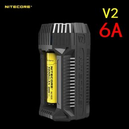 adaptador para isqueiro de carro 12v Desconto NITECORE V2 6A - Carregador de Bateria de 2 Canais para Carro Rápido com Adaptador de Isqueiro de 12V e Portas USB para 18650 RCR123A 17650 14500