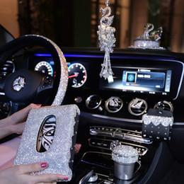 telefonhalter für lenkrad Rabatt Crystal Lenkrad Abdeckungen für Mädchen Auto Dekoration Zubehör Outlet Air Vent Handyhalter Clip Strass Aschenbecher Frauen