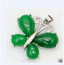 Природный нефрит зеленый изумруд изумруд Малайский нефрит нефрит инкрустированные голый камень бабочка ожерелье кулон от