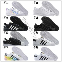 best cheap 1d616 82119 2018 Originals Superstar White Hologram Iridescent Junior Superstars 80s  Pride Sneakers Super Star Donna Uomo Sport Scarpe da corsa 36-45