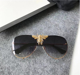 Wholesale Popular Lens - Luxury 2238 Sunglasses Men Women Brand Designer Popular Fashion Big Summer Style With The Bees Top Quality UV Protection Lens Come With Case