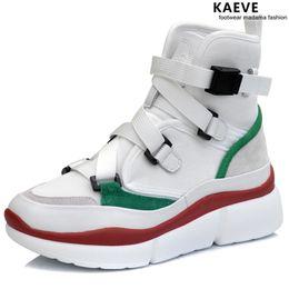 2019 scarpe bianche marrone piattaforma Donne di vendita calde White Brown Sneaker Fashion High Top Piattaforma per scarpe Donna Walking Light Stivaletti alla caviglia Scarpe Dancing hip-hop scarpe bianche marrone piattaforma economici