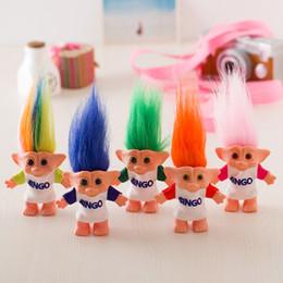 bambola di troll all'ingrosso Sconti Troll Doll da 10 cm con vestiti da bingo Leprechauns Dam Giocattoli Russ Troll per bambini Regalo di compleanno all'ingrosso