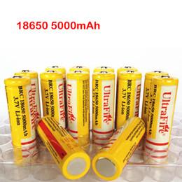 Aa li cargador online-Ultra Fire 18650 3.7V 5000mAH Batería recargable de litio amarilla, UltraFire BRC 18650 Baterías Li-Ion con cargador