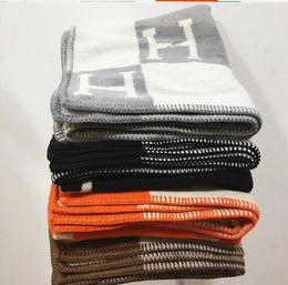 cobertores grandes Desconto Cobertor de caxemira H Luxo marca de moda original inverno Engrossar Cobertor Cachecol Xale de Viagem Para Casa Quente Cobertores Aeronaves Grande 170 * 140 cm 1.5 kg