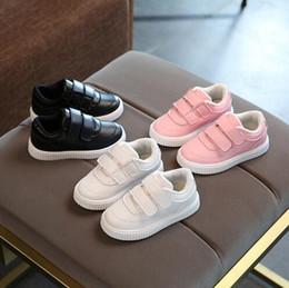 2019 sapatos de bebê sola 2018 criança sapatos casuais botas de couro masculino feminino sola macia sapatos bebê esporte calçados crianças marca da criança caçoa as sapatilhas desconto sapatos de bebê sola