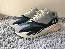 Wholesale fabric chalk - Sply Boost Kanye West Boost Wave Runner 700 Grey Causal Shoes Boost Mens Women Solid Grey Chalk White Core Black Sneakers Size US5-12