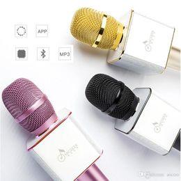 Q9 celular online-Q9 Bluetooth Inalámbrico Micrófonos Portátiles Teléfono Inteligente Karaoke Altavoz KTV Q7 Actualización Para iPhone Paquete de Venta al por menor de Teléfonos Móviles