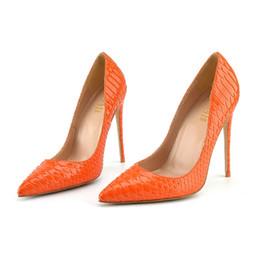 Sandálias de laranja bomba on-line-O envio gratuito de mulheres bombas sexy lady 12 cm orange cobra python ponta do dedo do pé sapatos de salto alto sandálias sandálias finas festa de casamento da noiva sapatos 10 cm