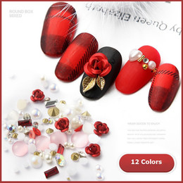 Clavos diamantes perlas online-Nail flor Rose Nueva 3D Arte Decoración DIY Diseño Brillante Diamante Perla Nail Art Supplies 12 Colores