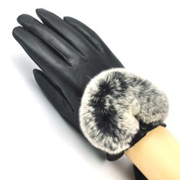 Argentina Guantes inteligentes con pantalla táctil para mujeres negras Piel genuina en forma de U Rex Rabbit Fur Fleece Lined M L cheap women s touch screen gloves Suministro
