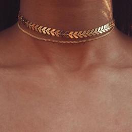 doppelschicht halsketten Rabatt Multi arrow choker halskette pailletten halskette zwei schichten halsketten gold farbe fischgräte doppelschichten flugzeug halskette flache kette chocker