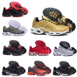 Wholesale Outdoor 12 - 2018 Wholesale Men TN Running Shoes man Triple Black White Gold blue red blue green Tn Runner Sneaker sport shoes us 7-12