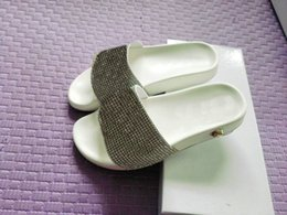 Wholesale Hotel Diamonds - luxury mens and womens fashion causal slippers girls print flower slide sandals unisex outdoor beach medusa diamond flip flops size 36-46