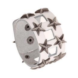 braccialetto pentagramma Sconti Moda lega rivetti pentagramma svuotato in pelle bianca bracciale stile punk largo polsino chiusura a scatto accessori gioielli accessorio all'ingrosso