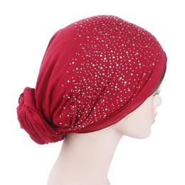 Hombro de algodón de mujer musulmana Full Rhinestone pre-atados pañuelo turbante Headwear Headwrap plateado Chemo Gorros Cap Skull accesorios para el cabello desde fabricantes