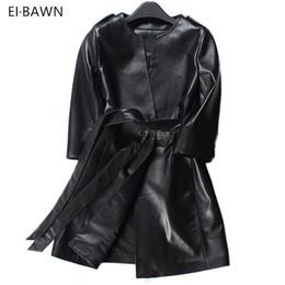 2019 ampie cinghie rosse 2018 primavera donne vera pelle trench coat nero  lungo cintura rossa moda 445b8634898