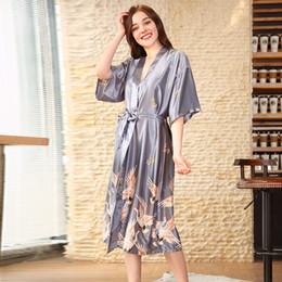 набор ночной рубашки xl Скидка 3 шт осени Женщина Одеяние халаты Комплектов сексуального шнурок Silk Satin Пижама Пижама Pijamas наборы Nightgown Ночной вечернее платье wp580