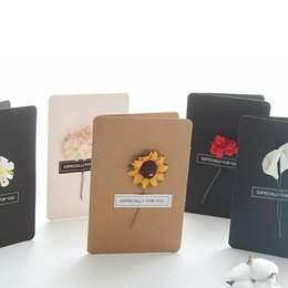 Wholesale hand making paper flowers - 14.6*10cm Hand-Made Greeting Card Dried Flower Decoration 11 Designs DIY Vintage Christmas Thanksgiving Kraft Paper Cards