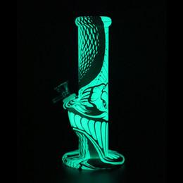 patrones de arte Rebajas 10 '' Resplandor en la oscuridad sin desvanecimiento del modelo de Python que fuma obras de arte de la pipa de agua con un conjunto de 14 mm de vidrio bong dab rig hookah