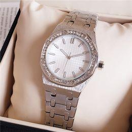 Las mujeres miran el precio barato online-Alta calidad de moda de cristal incrustaciones de las mujeres reloj de pulsera de cuarzo movimiento vestido de fiesta reloj reloj precio barato