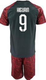 Envío de la gota nueva jersey online-Envío de la gota Aceptado, 2018 nuevos hombres Jerseys de fútbol Jerseys con pantalones cortos, top mens 9 HIGUAIN 8 Suso 11 Borini 7 S.Castillejo Soccer Wear