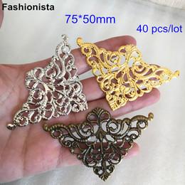 2019 eisen metall preise 40 Stück Dreieck filigrane Metall Blume Wrap, 75 * 50mm, Goldfarbe, Stahlfarbe, Bronze, Scrapbook-Verschönerung Supplies, kann gebogen werden
