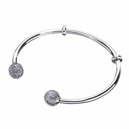 Moments de qualité Ouvrir Bracelet Pave Caps Avec Zircone Cubique bracelet Bracelet Fit Femmes Perle Charme 925 Bijoux En Argent Sterling ? partir de fabricateur