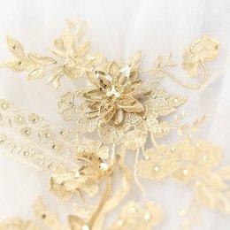Coloré fleur strass broderie stéréo 3D patch en dentelle avec perle robe de mariée matériaux de bricolage accessoires de costume théâtral T024 ? partir de fabricateur