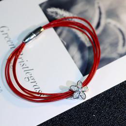 2019 magneti di fiori all'ingrosso 2018 ingrosso Bracciale in pelle rossa corda magnete autoadescante braccialetto di cristallo da Fine Jewelry fiore zircone femminile magneti di fiori all'ingrosso economici