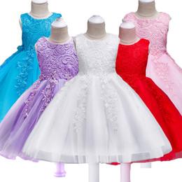 2019 vestidos de bebé blancos rojos Baby Girl Dress Verano Niños Blanco Red Lace Girls Party Dresses Vestido de princesa Bowknot Flower para niños por 1-8 año vestidos de bebé blancos rojos baratos