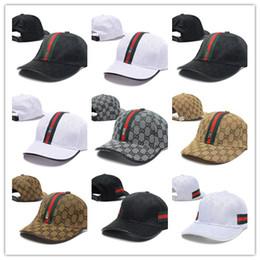 Barato 2018 Golf clásico Visera curva sombreros Diseño de lujo hueso Snapback cap Hombres Deportes gorra papá sombrero de alta calidad de béisbol Ajustable Caps desde fabricantes