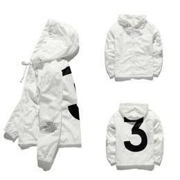 2018 mens chaqueta KANYE WEST Hip Hop Chaqueta cortavientos diseñador de moda Chaquetas Hombres Mujeres Streetwear Abrigo prendas de vestir exteriores de alta calidad JK001 desde fabricantes