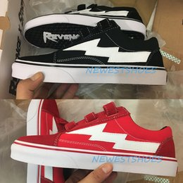 Canada Véritables Photos Vengeance x Storm Era Crochet Sangles Ian Connor Noir Blanc Rouge Hommes Femmes Skate Chaussures Kendall Jenner Casual Sneakers Taille 35-44 cheap pictures white Offre