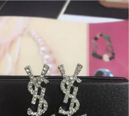 Aretes de diamante 14k online-Venta al por mayor de PCS! Marca 14 K Oro Plata Stud Pendientes Pearl Diamond Corsage Clásico Diseñador Carta Logo Collar Pin Partido Joyería de la boda A096