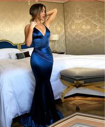 Vestito di seta blu dalla sirena di promenade online-Royal Blue Prom Dresses 2019 Lungo seta Satin Mermaid donne abito da sera Vestido De Festa